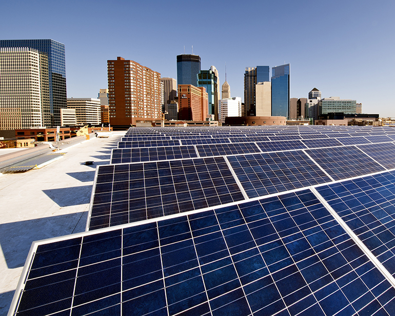 Roof top solar panels on Minneapolis Convention Center