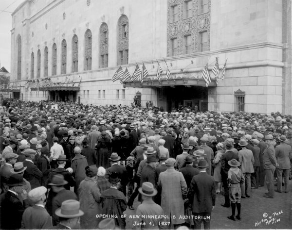 1927 Auditorium opening crowd